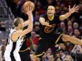 НБА: Сан-Антонио обыграл Кливленд и другие матчи дня