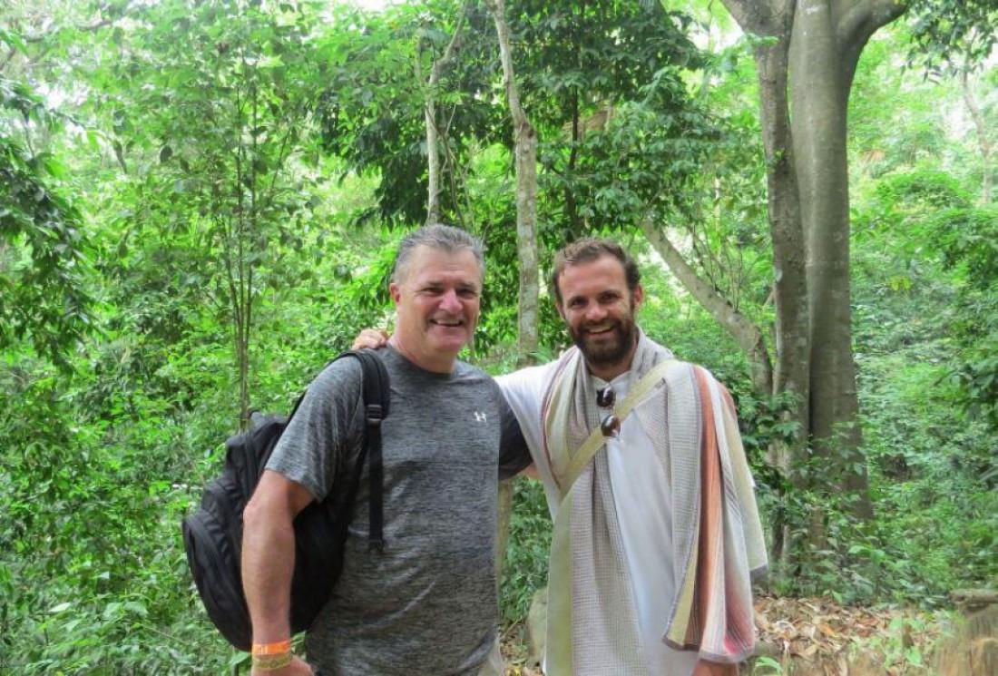 Фанат МЮ встретил Хуана Мату в джунглях