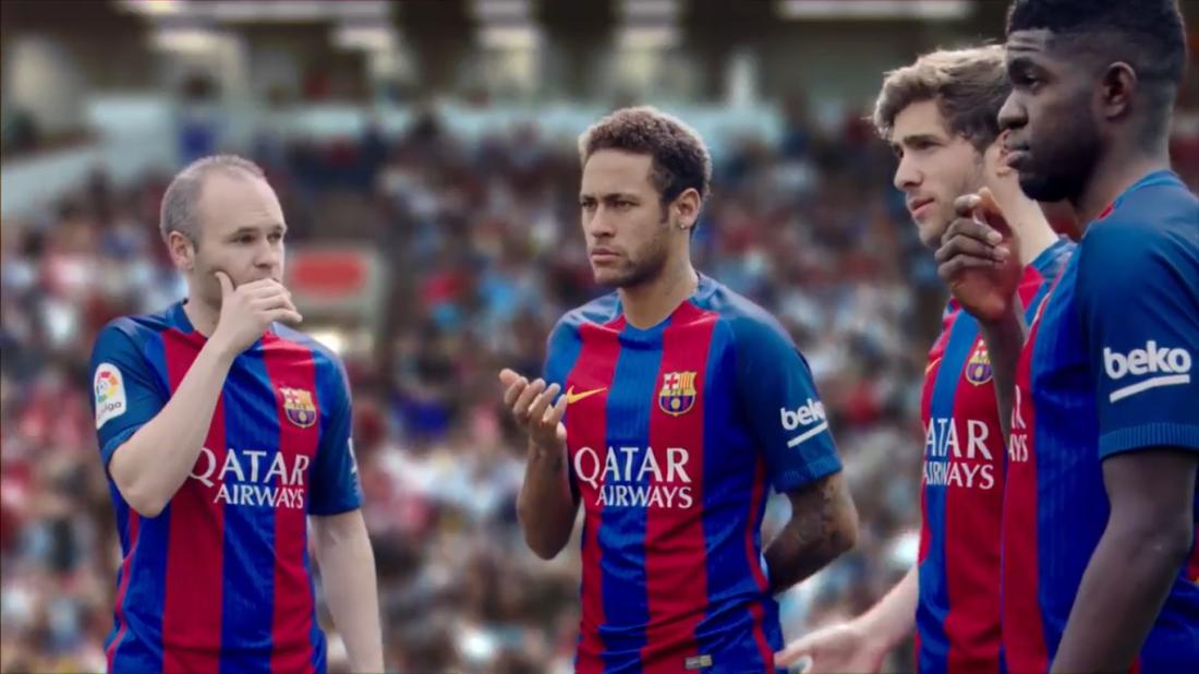 Футболисты снялись в рекламе
