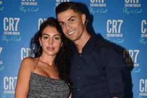 Возлюбленная Роналду поддержала футболиста неординарным постом в Instagram