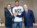 Скандальный 18-летний вратарь Милана подписал новый контракт