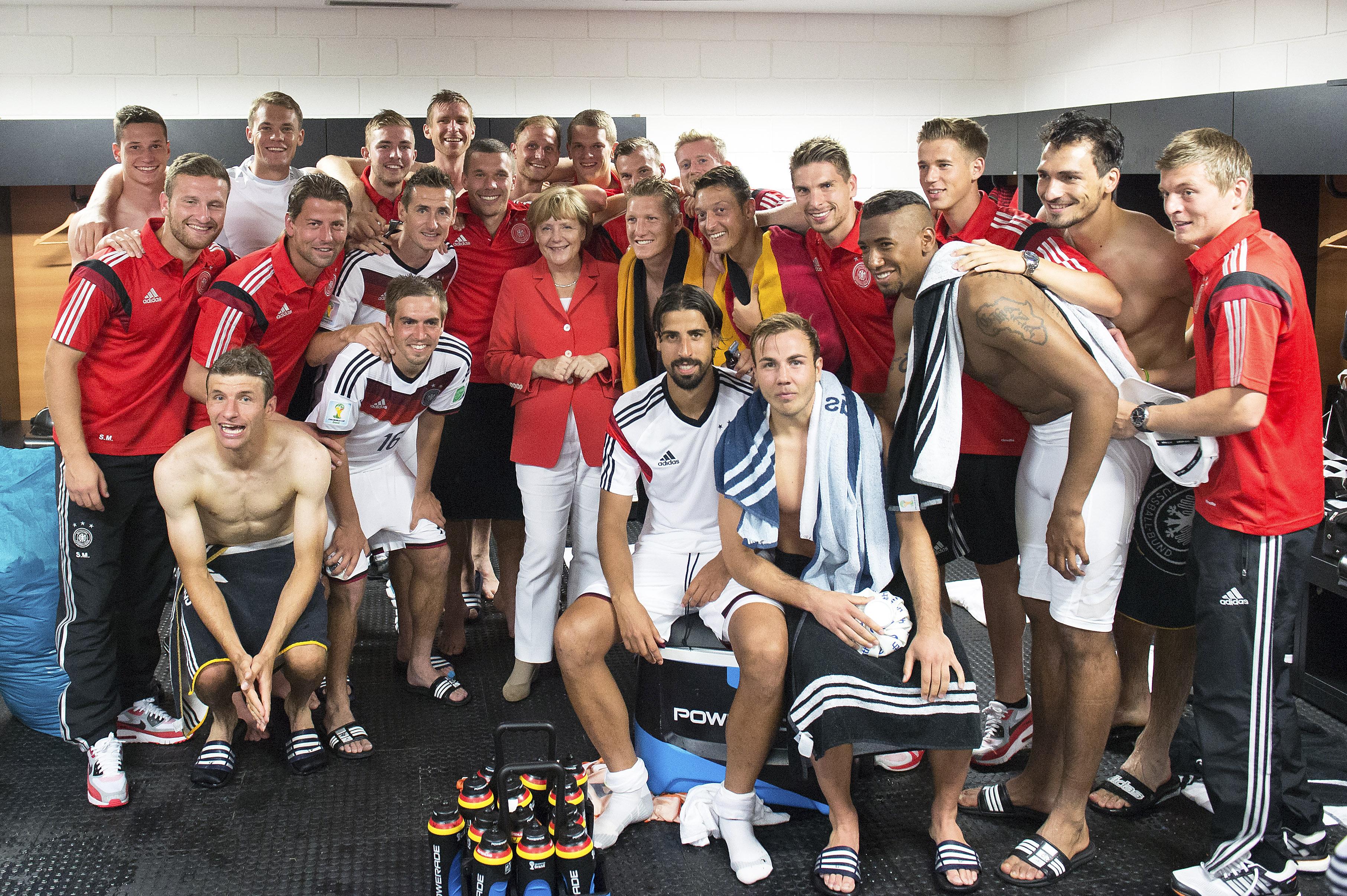 Ангела Меркель и сборная Германии