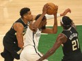 Плей-офф НБА: Милуоки разгромил Бруклин, сравняв счет в серии