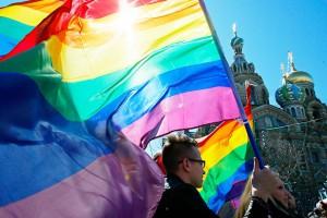 Болельщикам-геям разрешили целоваться на ЧМ-2018 в России