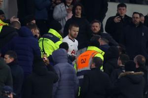Полузащитника Тоттенхэма дисквалифицировали на четыре матча за конфликт с фанатом