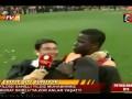 Игрок Галатасарая повалил журналиста на газон и взял интервью