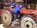 Веселые ребята: Футболисты Днепра покатались на тракторе