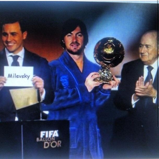 Милевский опубликовал свою шуточную фотографию с Золотым мячом