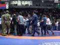 В России болельщики устроили массовую драку на чемпионате страны по борьбе