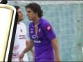 Игрок Фиорентины порвал футболку из-за упущенного момента