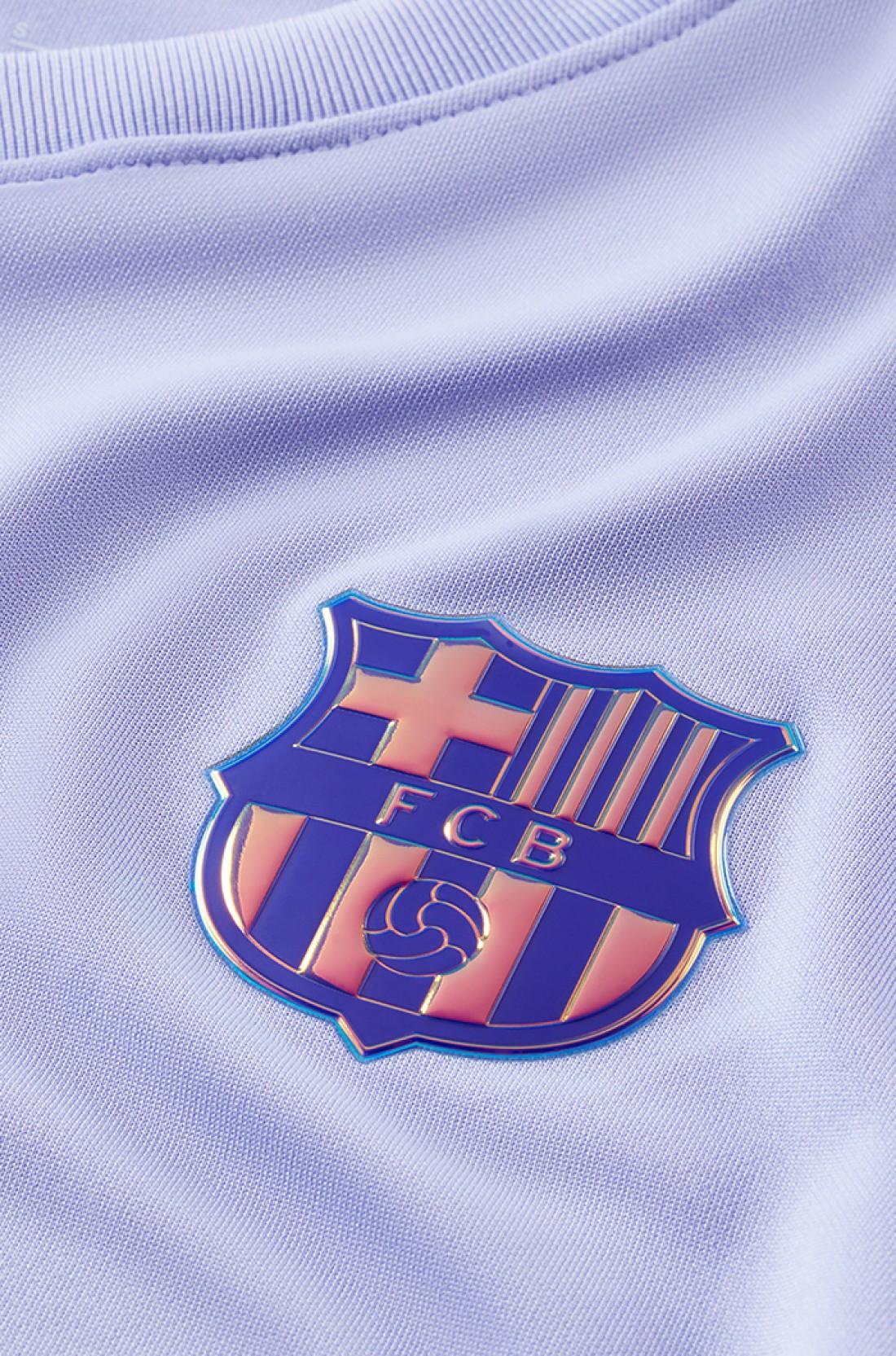 Барселона представила новую гостевую форму