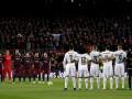 Фанаты Барселоны нарушили минуту молчания, чтобы обозвать Роналду геем