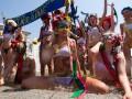 Девушки любят погорячее. FEMEN провело акцию протеста, приуроченную к Евро-2012