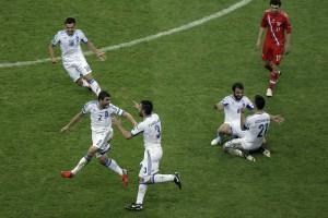 Русские ушли. Греция оставила Россию без Евро-2012, а чехи – Польшу