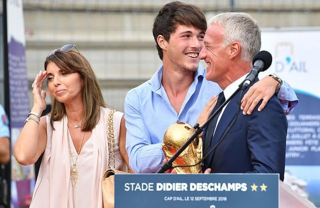 Дидье Дешам с сыном и женой