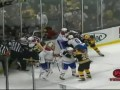 В матче NHL произошла грандиозная драка с участием вратарей
