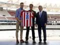 Миссия выполнима: известный актер получил именную футболку Атлетико