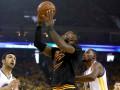 Эффектный данк Джеймса среди лучших моментов четвертого матча финала НБА