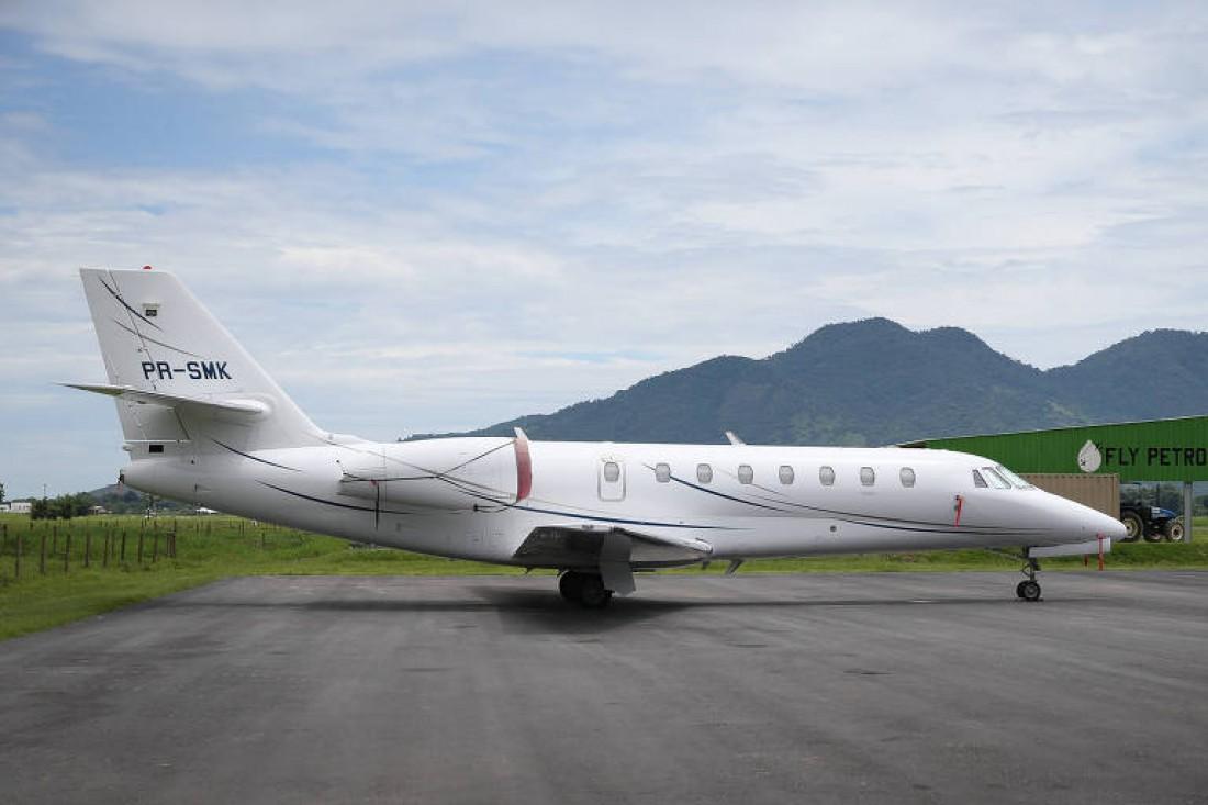Самолет Неймара