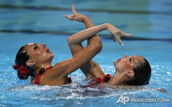 Как девушки покоряли мир красотой на воде