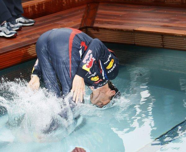 Победные купанния Уэббера