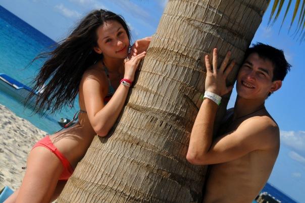 Тарас Степаненко со своей девушкой Маргаритой