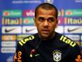 Алвес раскритковал перенос финала Кубка Либертадорес в Испанию