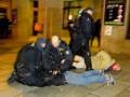 Бразильские полицейские могут лишиться свободы за избиение болельщика дубинкой