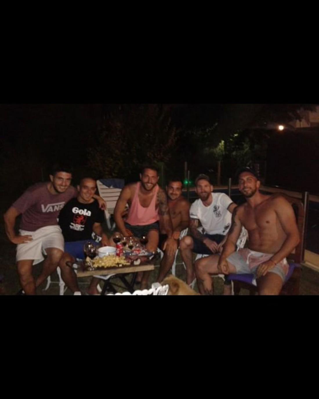 Команда Ньювелла, в которой Месси играл до переезда в Испанию