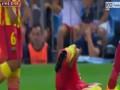 Защитник Барселоны блеснул актерским мастерством во время матча