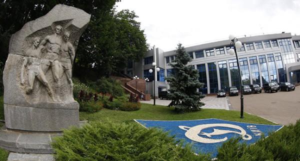 Памятник будет перенесен с территории стадиона