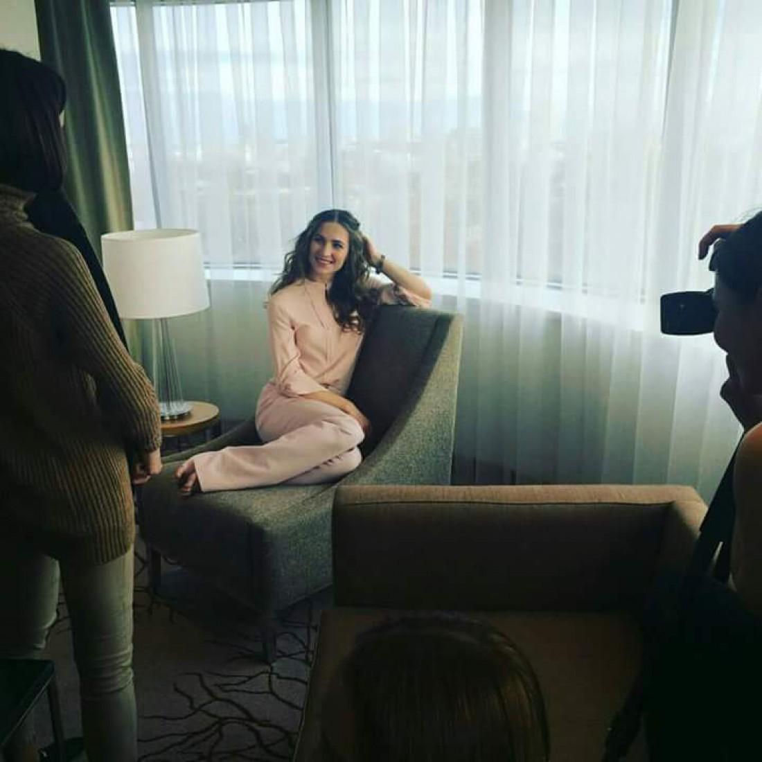 Дарья Домрачева позирует во время фотосессии