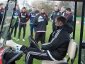 Тренер Аякса провел тренировку на гольф-каре