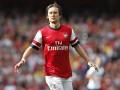 Соперник Днепра в Лиге Европы хочет купить ветерана Арсенала