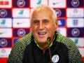 Тренер сборной Косово потешил своей реакцией на журналистов
