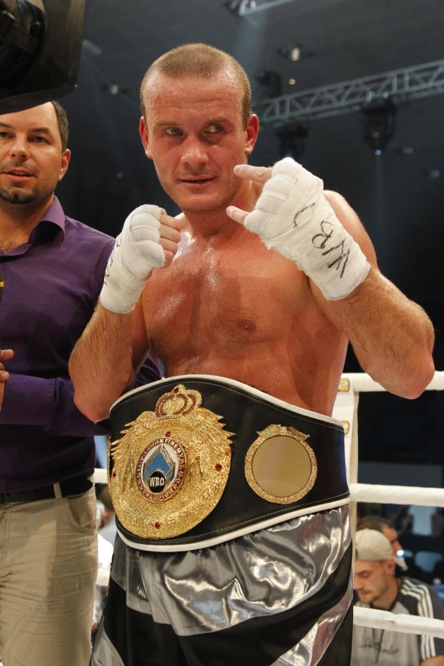 Узелков победил, но оставил вопросы