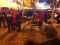 На Крещатике 30 человек с ножами напали на английских фанатов (ФОТО)