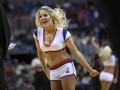 Фотогалерея. Спортивные кадры недели: Блондинка на баскетболе и летающий Ван Перси