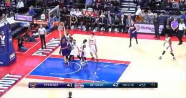 Украинец отметился данком в матче НБА