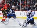 НХЛ: Ванкувер уступил Анахайму, Каролина одолела Торонто