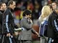 Аргентинцы не хотят отпускать Марадону из сборной