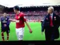 Игрок Арсенала просит футболку МЮ Робина ван Перси