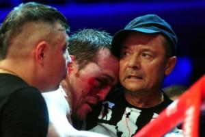 Денис Лебедев проиграл из-за разбитого глаза