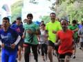 В Индии трое марафонцев добирались до финиша на метро