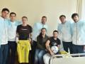 Тренеры и игроки сборной Украины проведали украинских военных в госпитале