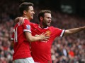 Игроки Манчестер Юнайтед весело поздравили партнера по команде с днем рождения