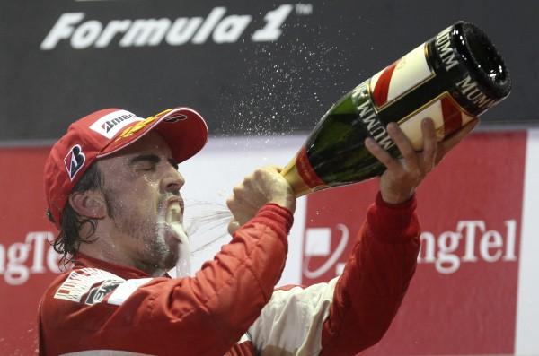 Алонсо выиграл гонку в Китае