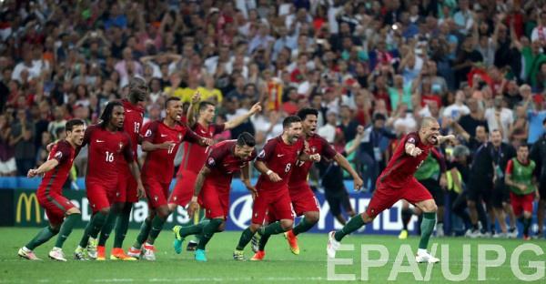 Сборная Португалии побеждает Польшу в серии пенальти