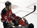 NHL: Поникаровский помог Дэвилс обыграть Торонто