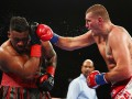 Вах боксировал против Миллера семь раундов со сломанной рукой